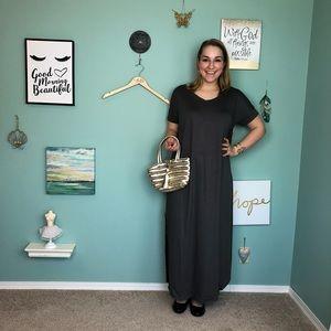 Dresses & Skirts - Gray V-Neck Short Sleeve Maxi Dress with Pocket A4